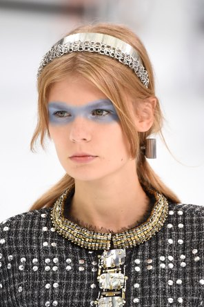 Chanel-spring-2016-runway-beauty-fashion-show-the-impression-14