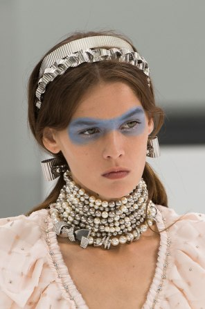Chanel-spring-2016-runway-beauty-fashion-show-the-impression-41