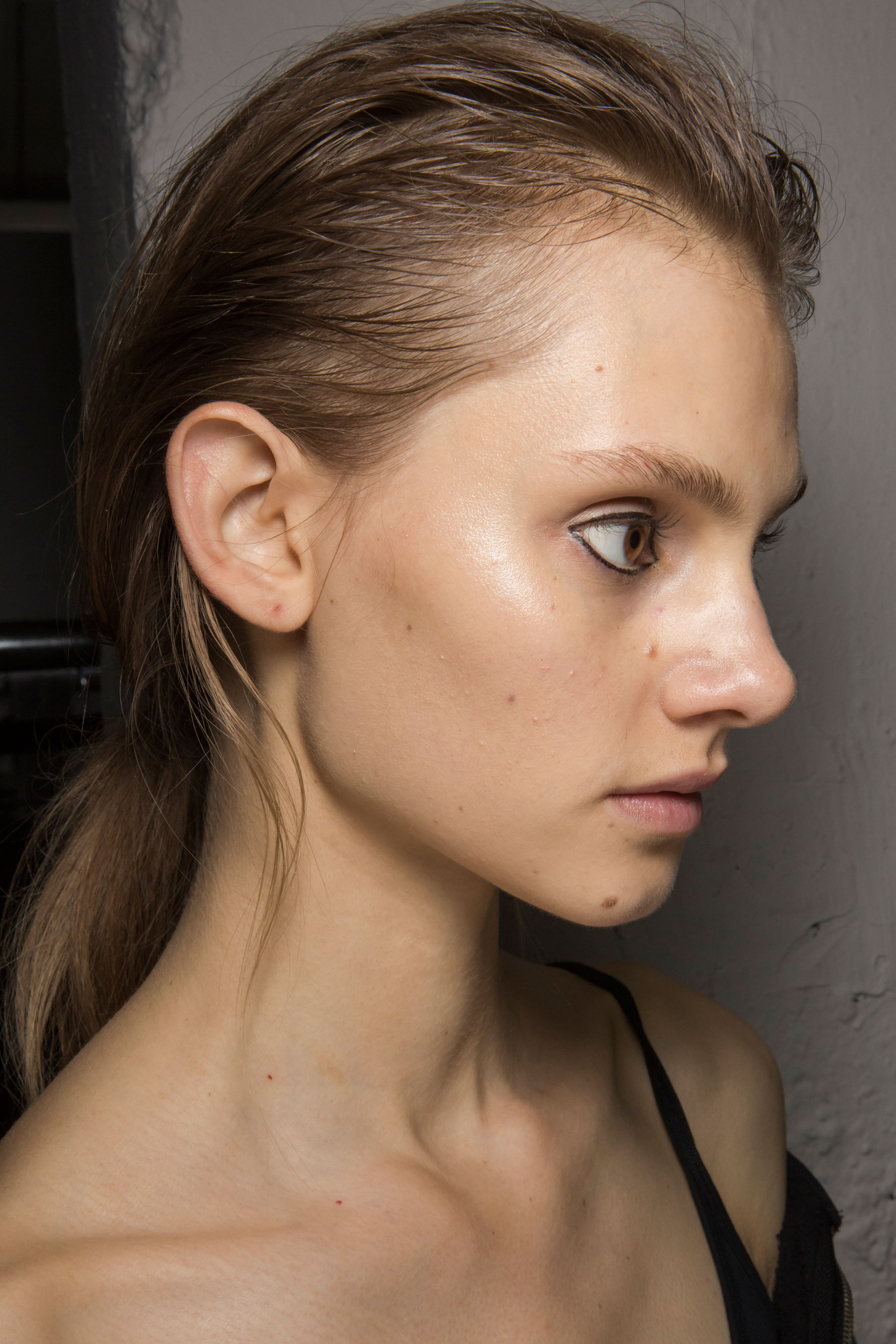 Christopher-Raeburn-spring-2016-beauty-fashion-show-the-impression-08