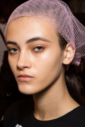 DSquared2-backstage-beauty-spring-2016-fashion-show-the-impression-003