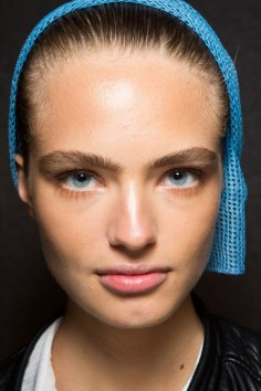 DSquared2-backstage-beauty-spring-2016-fashion-show-the-impression-013