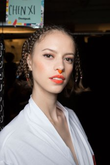 Desigual-beauty-backstage-spring-2016-fashion-show-the-impression-09