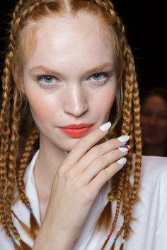 Desigual-beauty-backstage-spring-2016-fashion-show-the-impression-27