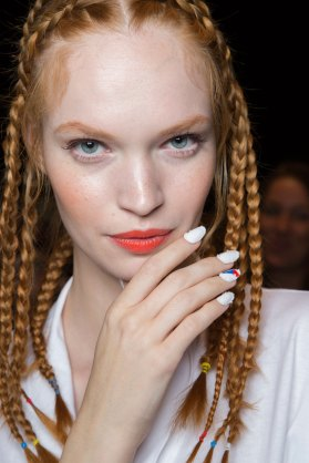 Desigual-beauty-backstage-spring-2016-fashion-show-the-impression-27