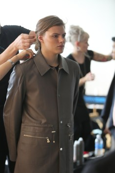 Deveuax-fashion-show-backstage-spring-2017-the-impression-03