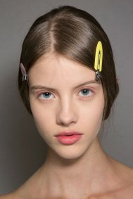 Dior-backstage-beauty-spring-2016-fashion-show-the-impression-016
