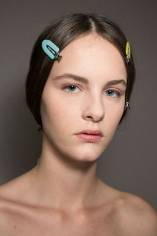 Dior-backstage-beauty-spring-2016-fashion-show-the-impression-017