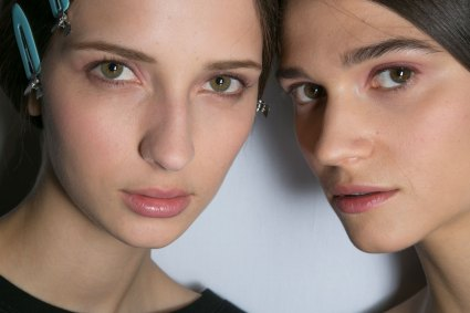 Dior-backstage-beauty-spring-2016-fashion-show-the-impression-030