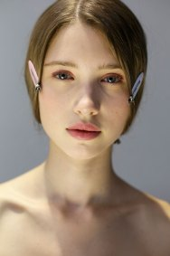 Dior-backstage-beauty-spring-2016-fashion-show-the-impression-052