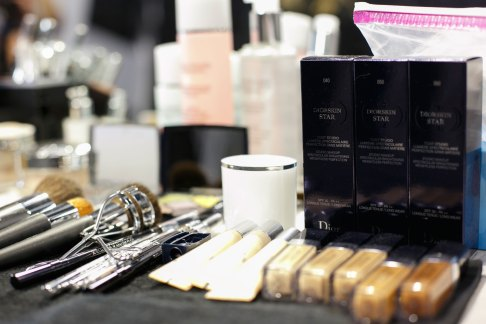 Dior-backstage-beauty-spring-2016-fashion-show-the-impression-065