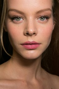 Dolce-and-Gabanna-backstage-beauty-spring-2016-fashion-show-the-impression-037