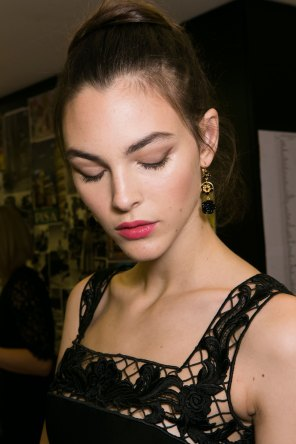Dolce-and-Gabanna-backstage-beauty-spring-2016-fashion-show-the-impression-053