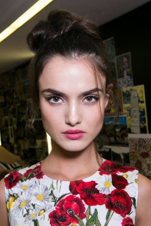 Dolce-and-Gabanna-backstage-beauty-spring-2016-fashion-show-the-impression-055