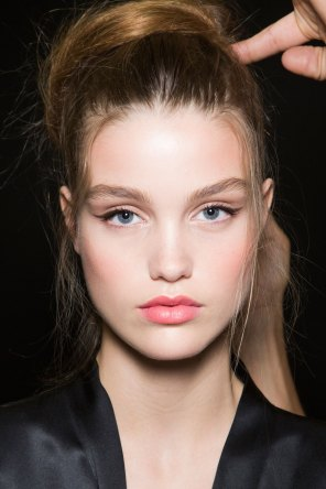 Dolce-and-Gabanna-backstage-beauty-spring-2016-fashion-show-the-impression-095