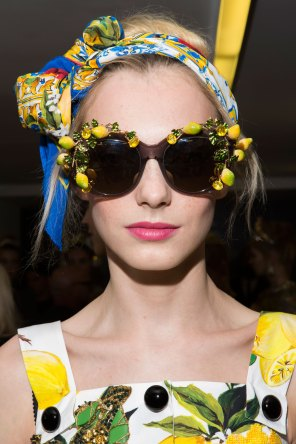 Dolce-and-Gabanna-backstage-beauty-spring-2016-fashion-show-the-impression-100