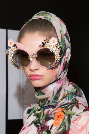 Dolce-and-Gabanna-backstage-beauty-spring-2016-fashion-show-the-impression-101