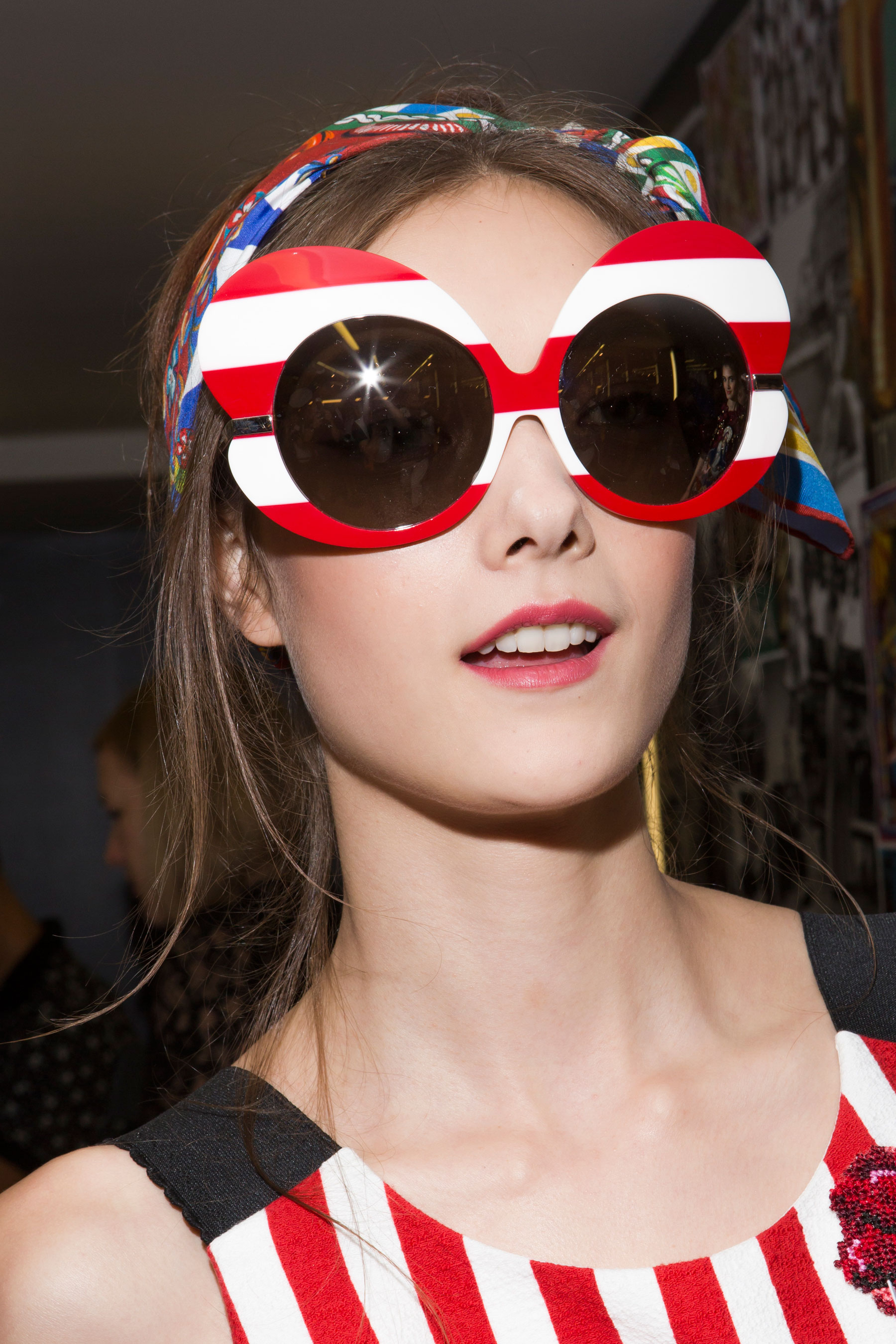 Dolce-and-Gabanna-backstage-beauty-spring-2016-fashion-show-the-impression-110