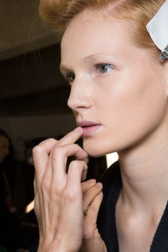 Dries-van-Noten-spring-2016-beauty-fashion-show-the-impression-05