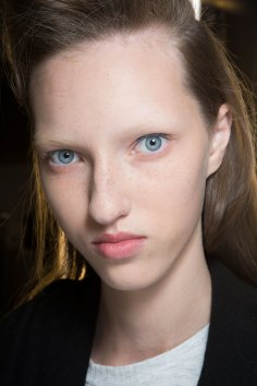 Dries-van-Noten-spring-2016-beauty-fashion-show-the-impression-11