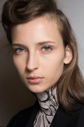 Dries-van-Noten-spring-2016-beauty-fashion-show-the-impression-13