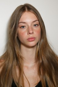 Emanuel-Ungaro-backstage-beauty-spring-2016-fashion-show-the-impression-021