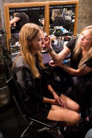 Emilio-Pucci-spring-2016-beauty-fashion-show-the-impression-015