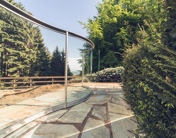 Two Way Mirror / Hedge Arabesque