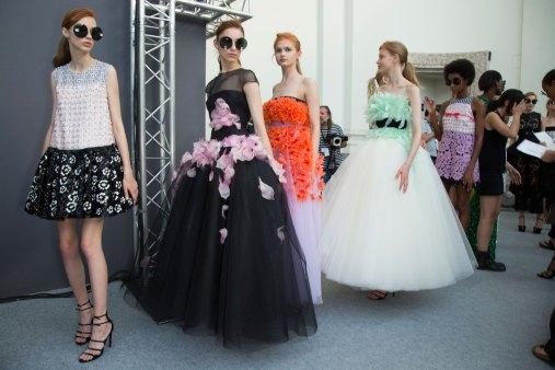 GIAMBATTISTA-VALLI-backstage-fall-2015-couture-the-impression-069