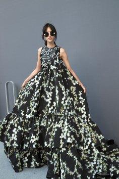 GIAMBATTISTA-VALLI-backstage-fall-2015-couture-the-impression-087