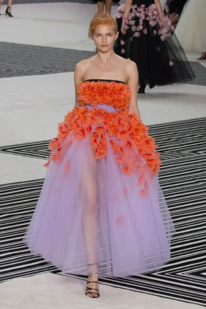 GIAMBATTISTA-VALLI-fall-2015-couture-the-impression-021-681x1024
