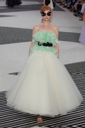 GIAMBATTISTA-VALLI-fall-2015-couture-the-impression-022-681x1024