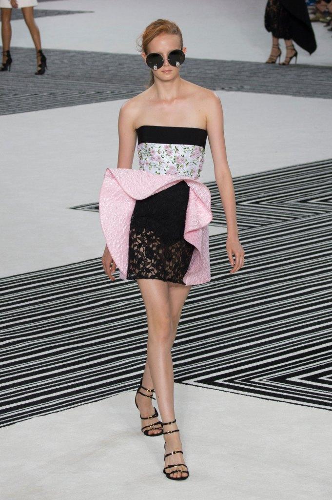 GIAMBATTISTA-VALLI-fall-2015-couture-the-impression-033