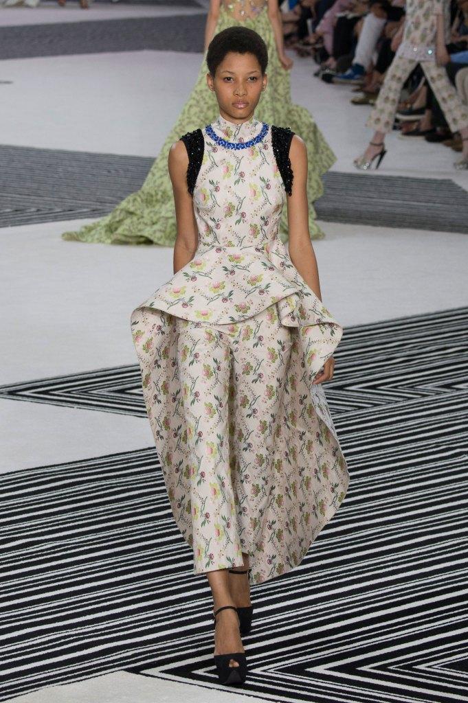 GIAMBATTISTA-VALLI-fall-2015-couture-the-impression-039