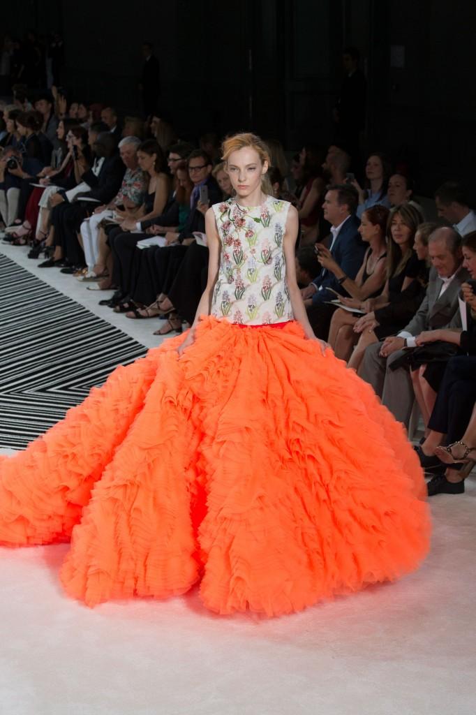 GIAMBATTISTA-VALLI-fall-2015-couture-the-impression-047