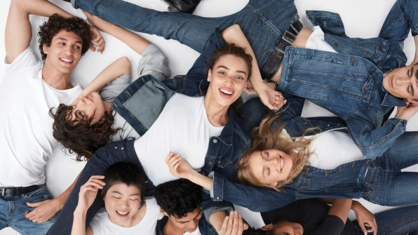 Gap-meet-me-in-the-gap-campaign-the-impression-07