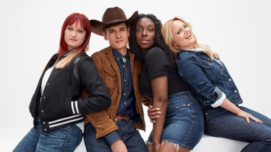 Gap-meet-me-in-the-gap-campaign-the-impression-15