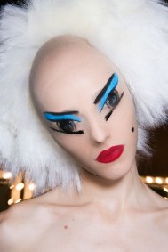 Gareth-Pugh-beauty-spring-2016-fashion-show-the-impression-096