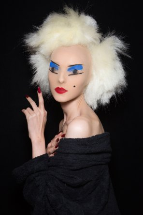 Gareth-Pugh-beauty-spring-2016-fashion-show-the-impression-139