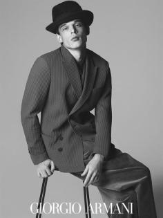 Giorgio-Armani-fall-2016-ad-campaign-the-impression-03
