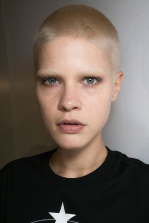 Givenchy-beauty-spring-2016-fashion-show-the-impression-04