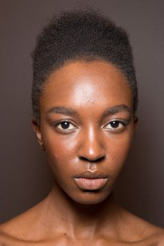 Gucci0-backsatge-beauty-spring-2016-fashion-show-the-impression-019