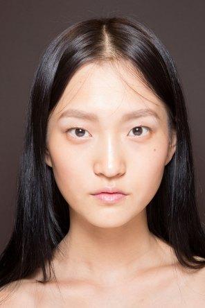 Gucci0-backsatge-beauty-spring-2016-fashion-show-the-impression-058