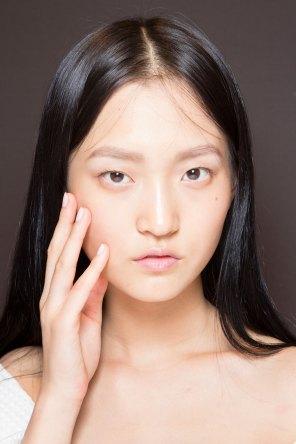 Gucci0-backsatge-beauty-spring-2016-fashion-show-the-impression-061