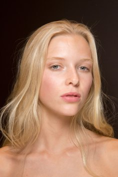 Gucci0-backsatge-beauty-spring-2016-fashion-show-the-impression-086