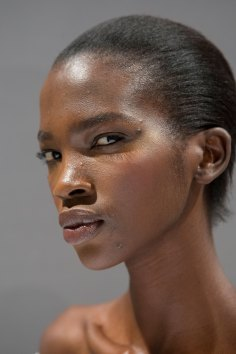 Gucci0-backsatge-beauty-spring-2016-fashion-show-the-impression-112
