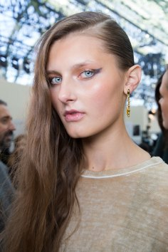 Guy-Laroche-spring-2016-beauty-fashion-show-the-impression-26