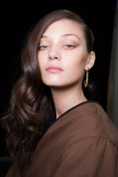Guy-Laroche-spring-2016-beauty-fashion-show-the-impression-49