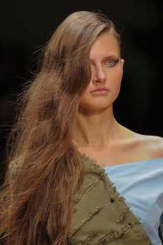 Guy-Laroche-spring-2016-runway-beauty-fashion-show-the-impression-04