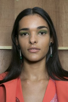 Holly-Fulton-beauty-spring-2016-fashion-show-the-impression-004