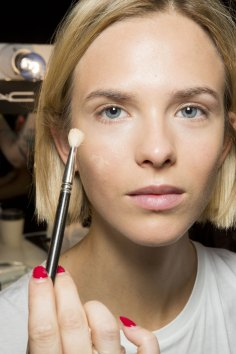Holly-Fulton-beauty-spring-2016-fashion-show-the-impression-025